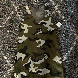 Tops - Camouflage tank top (thick material) new with tag